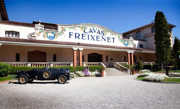 Cava y champán-bodegas_freixenet_fachada-big