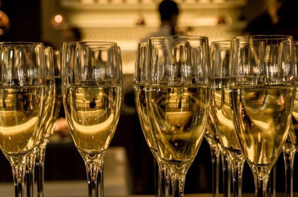 Cava y champán. ¿En qué se diferencian?. Origen y tipos.