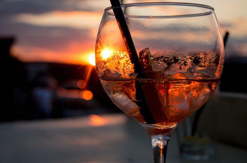Vermut rojo y aperitivos italianos - Portada